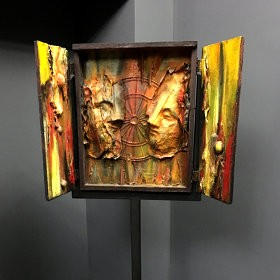 Altar, an art piece by Van Soghomonyan